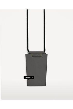Zara SMARTPHONE-HÜLLE AUS LEDER - In weiteren Farben verfügbar