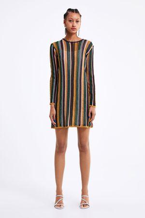 Zara Gestreiftes strickkleid