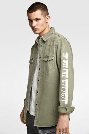 Zara Jeans-oberhemd mit schriftzug
