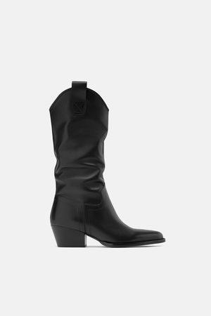 Zara Lederstiefel mit cowboy-absatz