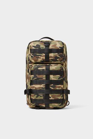 Zara Umhängetasche mit camouflagemuster und vielen taschen