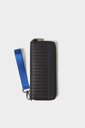 Zara Grosse schwarze brieftasche mit blauen details