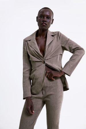 Zara Taillierter blazer mit zierfalten