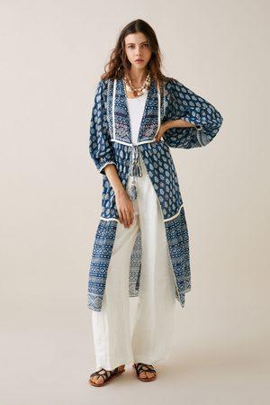Zara Bedruckter kimono mit stickerei