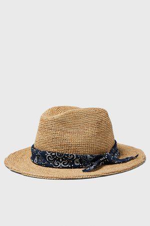Zara Hut mit halstuch