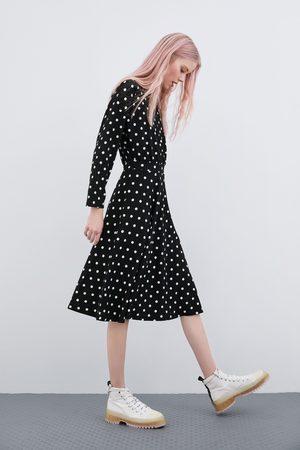 Zara Kleid mit tupfen
