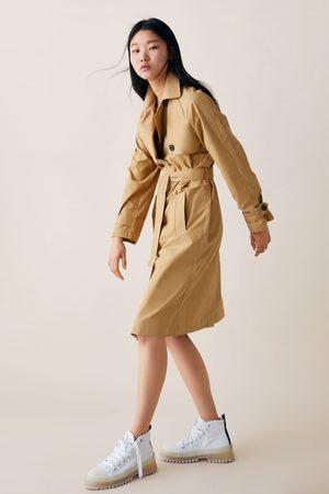 Zara Trenchcoat mit knöpfen