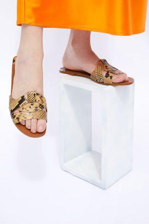 Zara Damen Sandalen - Flache ledersandale mit animalprint