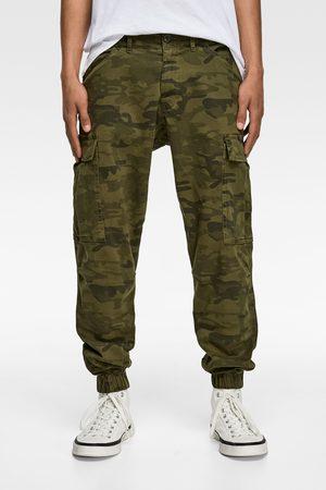 Zara Cargohose mit camouflagemuster