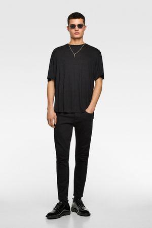 Zara T-shirt mit halskette