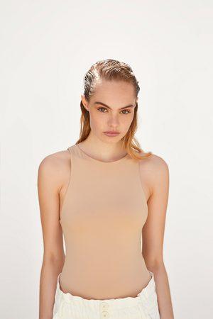 Zara Neckholder-body