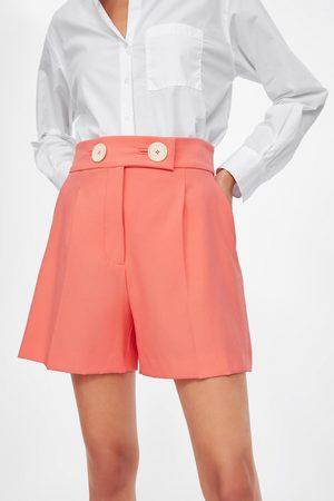Zara Damen Shorts - Bermudashorts mit grossen knöpfen