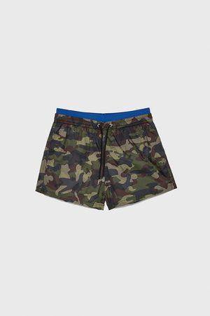 Zara Badeshorts mit camouflagemuster und abgesetztem bund