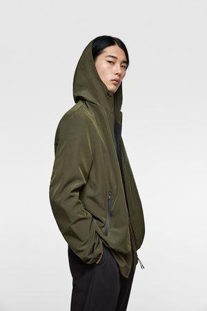 Zara Jacke aus funktionsstoff mit kapuze