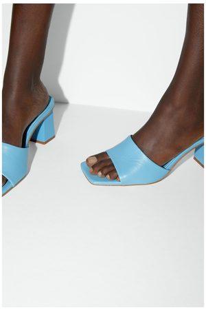 Zara Damen Clogs & Pantoletten - Pantolette aus leder