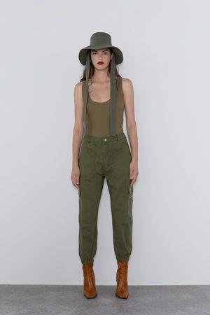 Zara Cargohose mit taschen
