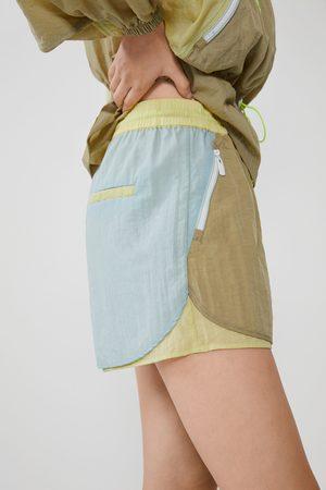 Zara Bunte shorts aus nylon