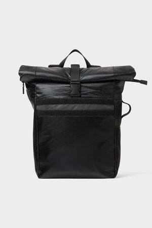 Zara Schwarzer rucksack mit überschlag