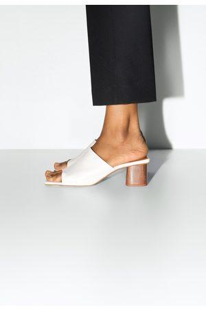 Zara Lederpantolette mit absatz