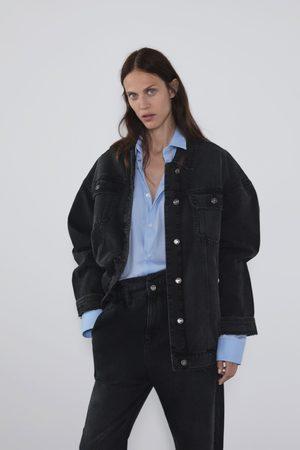 Zara Oversize-jeansjacke mit rissen