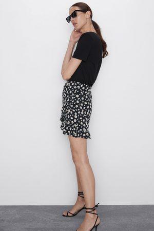 Zara Bermudashorts mit gänseblümchenprint