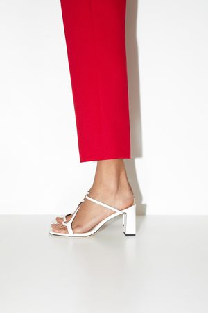Zara Pantolette mit absatz und asymmetrischen riemchen