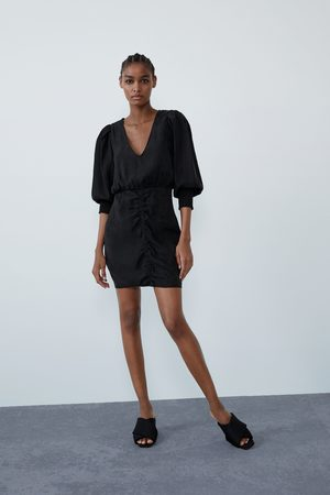 Zara Weites kleid mit raffung