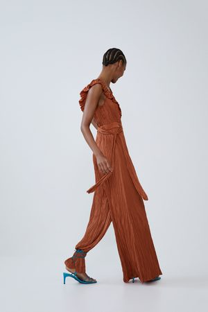 Zara Overall mit knitter-effekt