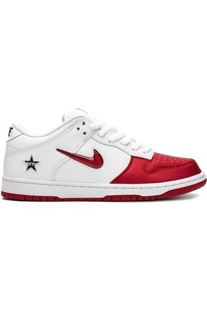 Nike Sneakers - X Supreme SB Dunk Low sneakers