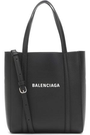Balenciaga Tote Everyday XXS aus Leder