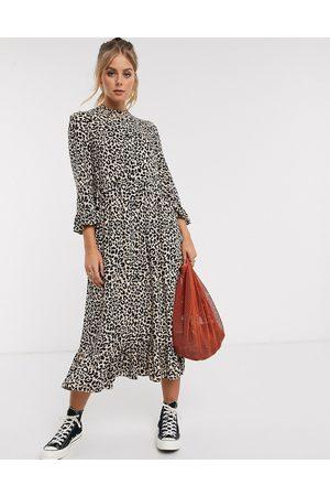 ASOS Damen Freizeitkleider - Button through tiered smock maxi dress in leopard print
