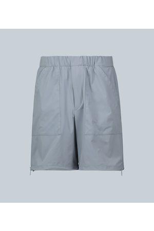 Prada Exklusiv bei Mytheresa – Shorts mit Reißverschlüssen