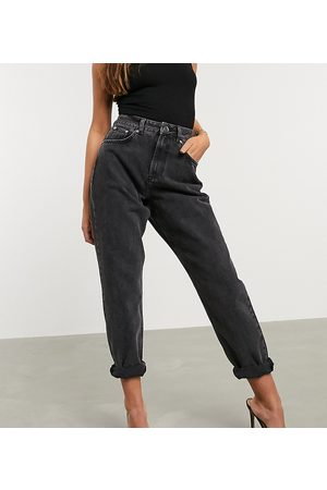 ASOS ASOS DESIGN Petite High rise 'slouchy' mom jeans in washed
