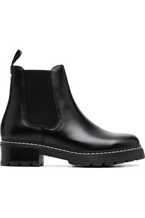Carvela Contrasting stitch ankle boots