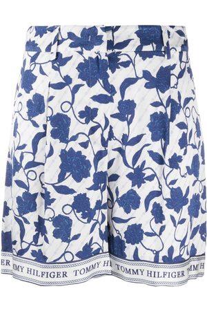 Tommy Hilfiger Floral print shorts