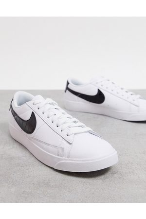 Nike Blazer Low in white and