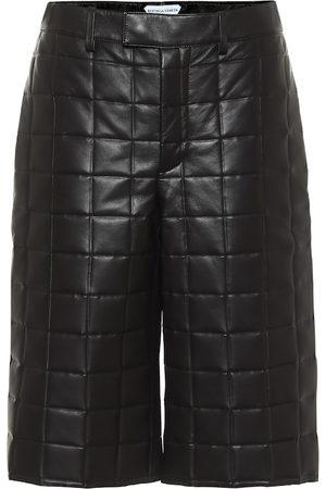 Bottega Veneta Shorts aus Leder