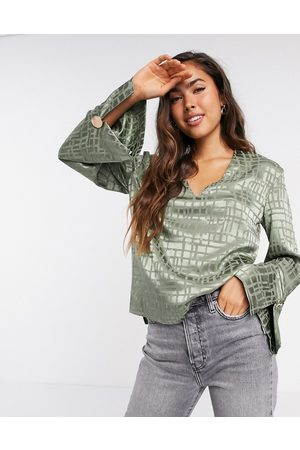 River Island Damen Blusen - Satin relaxed luxe v-neck blouse in sage