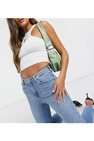ASOS Damen Baggy & Boyfriend - ASOS DESIGN Petite high rise farleigh 'slim' mom jeans in stonewash