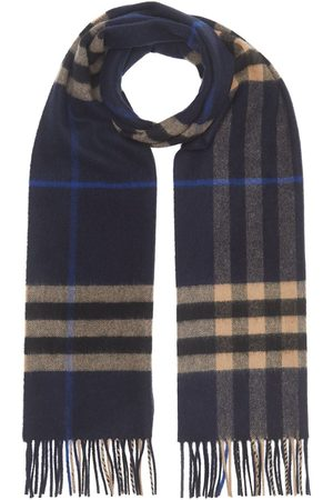Burberry Classic Check pattern scarf