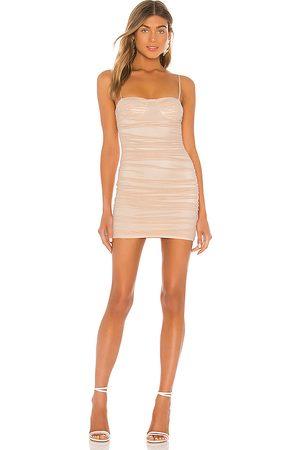 superdown Damen Kleider - Tamzin Ruched Mini Dress in - Blush. Size L (also in XXS, XS, S, M, XL).