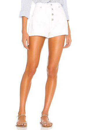 Rollas Dusters Short in . Size 23 (also in 24, 25, 26, 27, 28, 29, 30, 31).