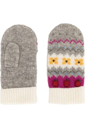 Familiar Intarsia knit apple motif mittens