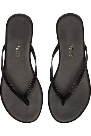 Tkees Liners Flip Flop in - Black. Size 6 (also in 7, 9).