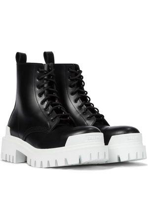 Balenciaga Ankle Boots Strike aus Leder