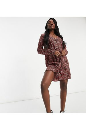 Missguided Smock dress with long sleeve in red floral