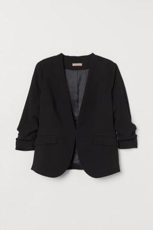 H&M + Taillierter Blazer