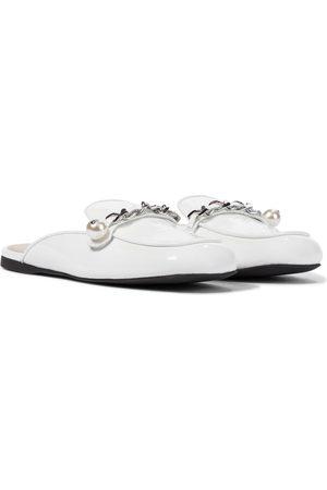 Miu Miu Verzierte Slippers aus Lackleder