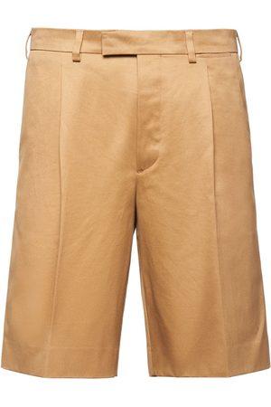 Prada Herren Shorts - Pleated front Bermuda shorts