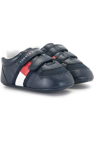 Tommy Hilfiger Junior Touch strap low-top sneakers